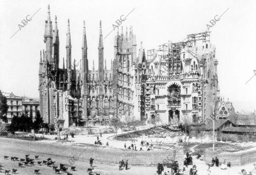 La Sagrada Familia, a principios del siglo XX