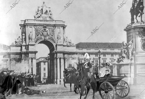 Reconstrucción fotográfica del momento del regicidio realizada por ABC a principio de febrero de 1908