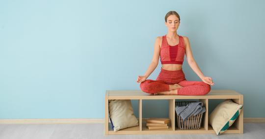 Diferencias entre el yoga convencional y el yoga informado.