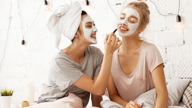 ¿Es bueno hacerse mascarillas nutritivas con frutas para la cara?