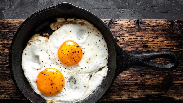 Huevos-fritos-kLnF--620x349@abc