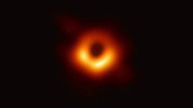 La primera imagen de un agujero negro