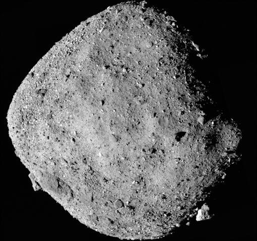 Superficie del asteroide Bennu, desde una disitancia de 24 km