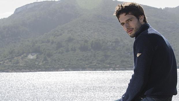 Álvaro Arbina, autor del la novela «La mujer del reloj»