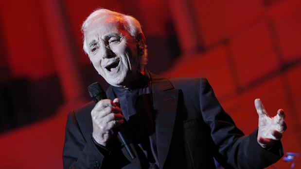 Charles Aznavour, en el concierto en Pedralbes