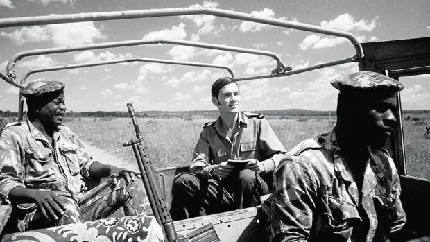 La película narra las vivencias de Lobo Antunes (interpretado por Miguel Nunes) en la guerra de Angola