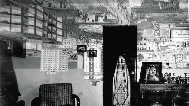 Una de las habitaciones convertidas en cámaras obscuras por Abelardo Morell