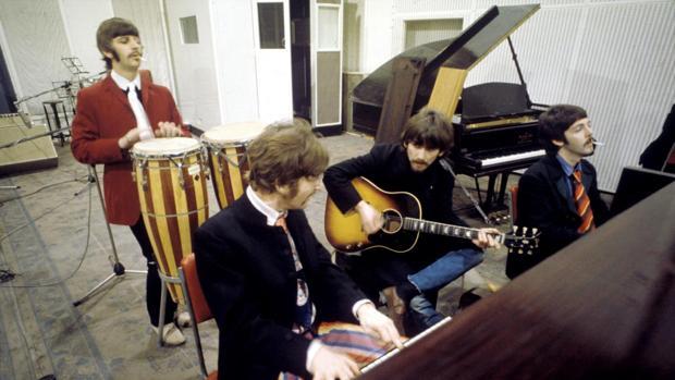 """10 curiosidades del """"Sgt Pepper's"""" de The Beatles"""