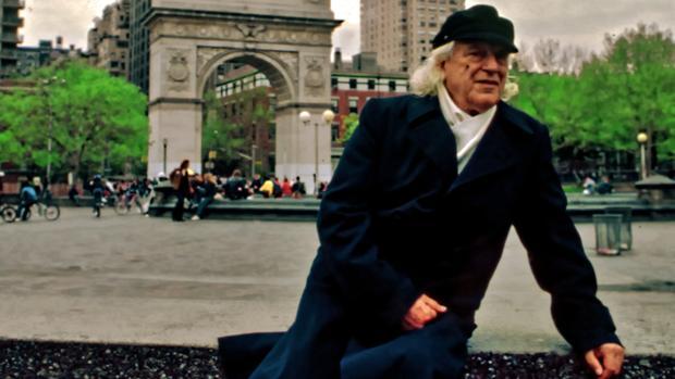 Rafael Alberti, retratado en una de las imágenes inéditas de su viaje a Nueva York