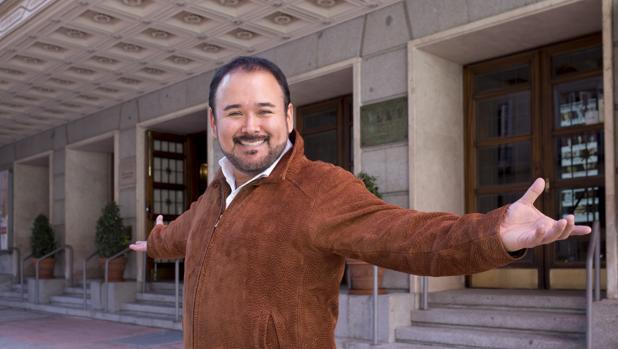 Javier Camarena, a las puertas del Teatro de la Zarzuela
