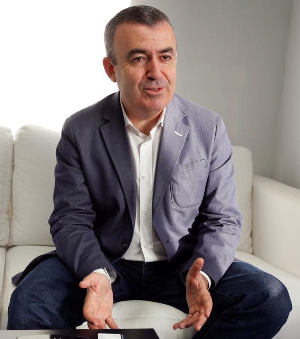 Lorenzo Silva lleva más de dos décadas con una pareja de inquilinos en su imaginación: Bevilacqua y Chamorro