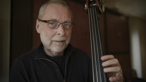Dave Holland, en su habitación del Hotel Hesperia de Madrid, donde tuvo lugar la entrevista