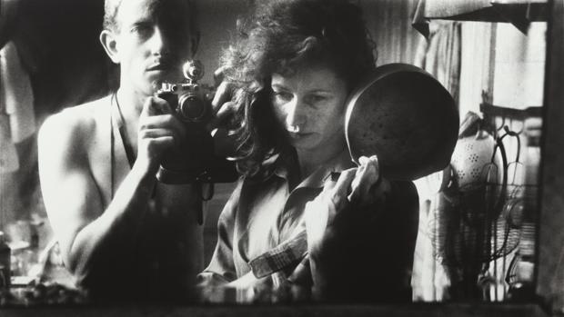 «Autorretrato con Ata Kandó», París, 1952. Nederlands Fotomuseum