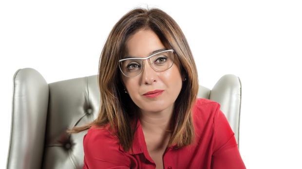 Florencia Etcheves posa para la contraportada de su libro