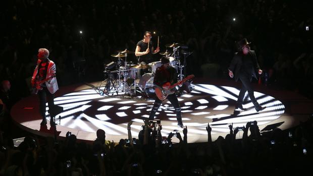 Una imagen del concierto de U2 en Lisboa