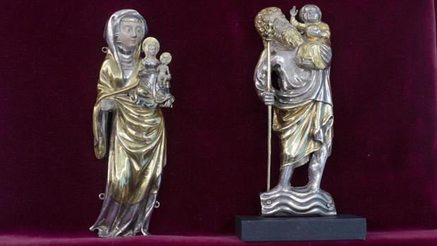 Dos de las piezas recuperadas tras el robo de Erik el Belga en el monasterio de Banyoles