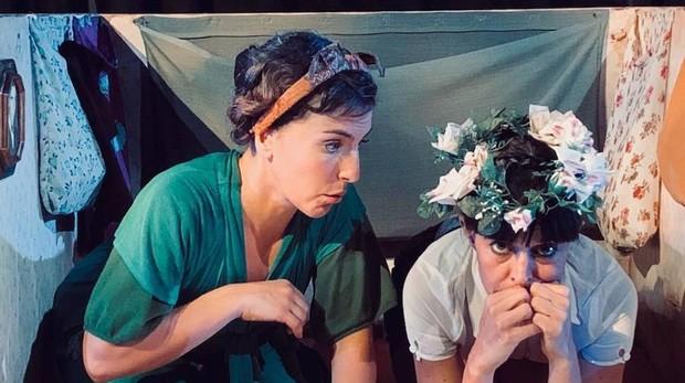 Sara Campbell y María Caudevilla en una escena de «Sueño Lorca»