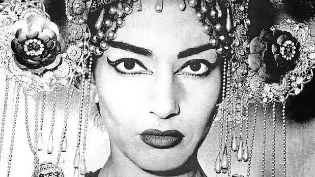 Maria Callas, caracterizada como Turandot