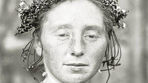 Novia rural retratada por August Sander a comienzos de los años 20