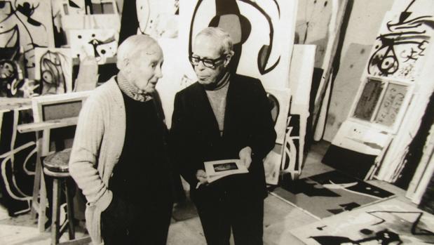 Sobre Josep Lluís Sert (a la derecha en la foto, con Joan Miró) trata uno de los libros más interesantes