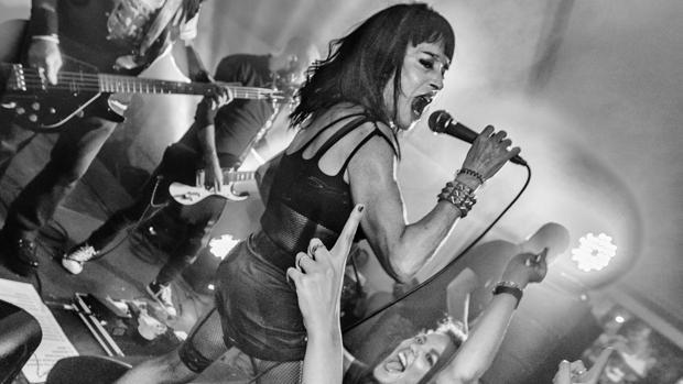 La cantante protagonizó los ochenta con Parálisis Permanente
