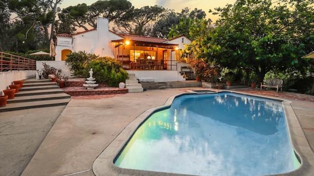 Vista exterior de la casa LaBianca, vendida por casi dos millones de euros