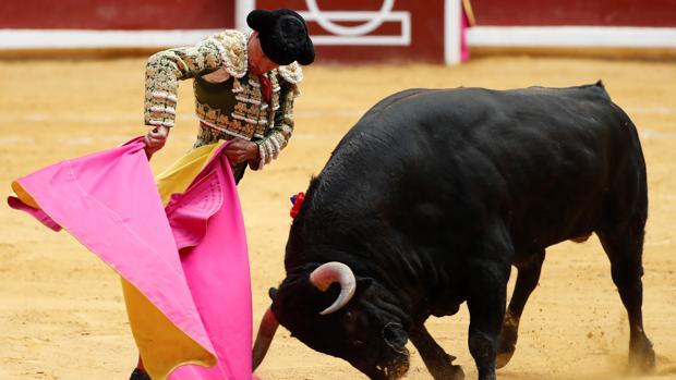Diego Urdiales remata con una media