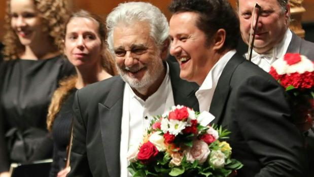 Plácido Domingo, visiblemente emocionado tras su actuación en Salzburgo