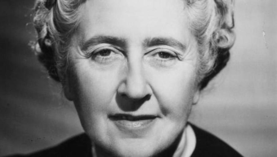 Agatha Christie, vivir sin mancharse las manos