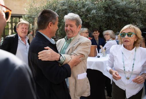 Herralde saluda a Emmanuel Carrère