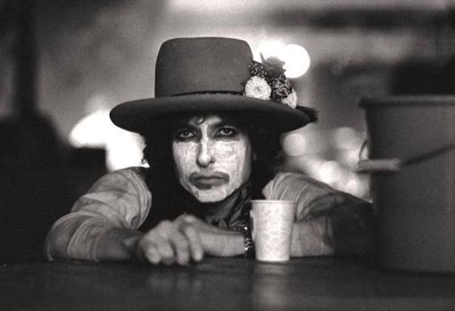 Dylan, maquillado antes de un concierto de la gira Rolling Thunder Revue