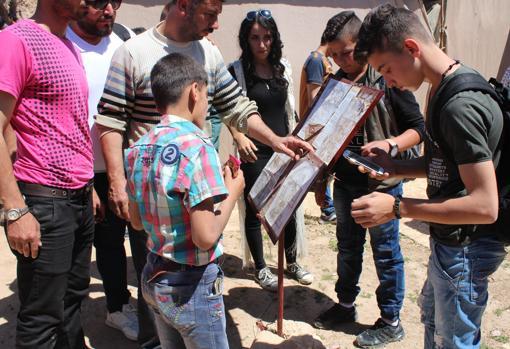 Visita escolar al yacimiento de Urkesh