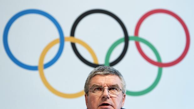 El presidente del Comité Olímpico Internacional (COI), Thomas Bach, tras la cumbre extraordinaria en Lausana (Suiza)