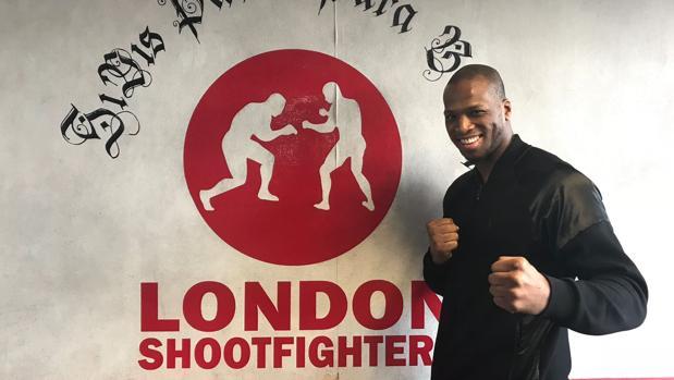 Michael «Venom» Page posa para ABC en el gimnasio London Shootfighers de Londres