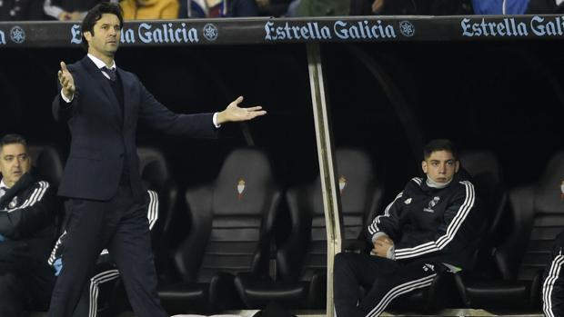 Santiago Solari, dirigiendo al Real Madrid en el estadio del Celta