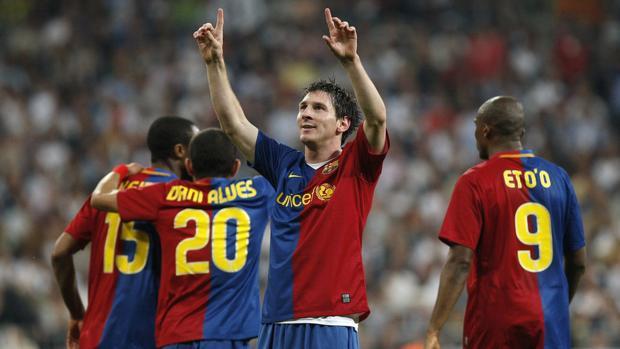 Leo Messi celebra uno de sus goles en el 2-6