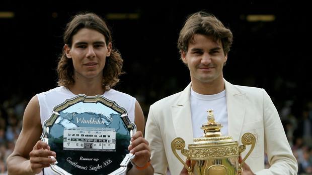 Nadal y Federer, en la final de Wimbledon 2006