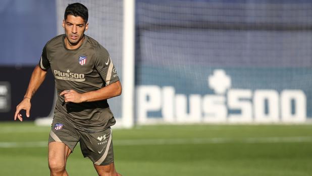 Luis Suárez debutará ante el Granada «desde el inicio o en el segundo tiempo»