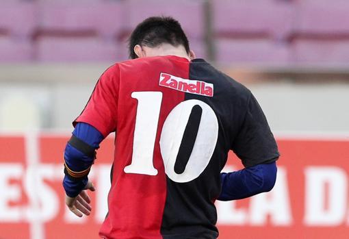 Así fue el golazo de Messi y el homenaje a Maradona en la celebración