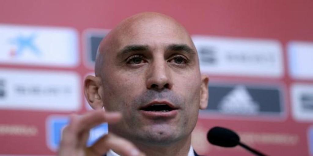 Rubiales pide perdón al Real Madrid por un error con las imágenes del VAR