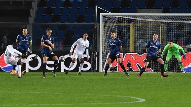 Real Madrid vence por la mínima a Atalanta con polémica incluida