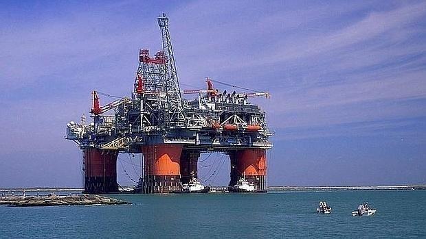 El descenso del precio del petróleo, determinante para reducir el déficit energético