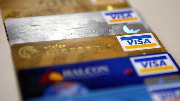 Con tarjetas sin contacto, en España se realizaon durante el año pasado hasta 136 millones de compras que representan cerca del 7% de las transacciones en comercios