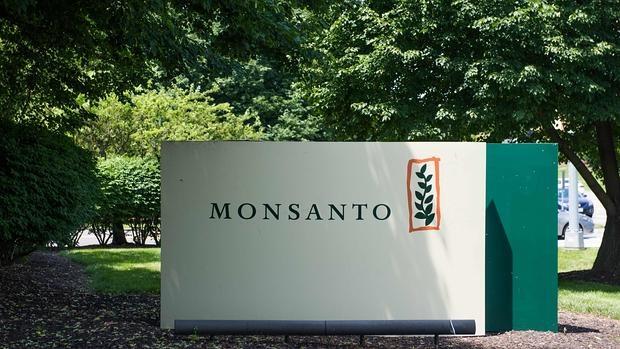 Monsanto continúa estudiando la oferta de Bayer
