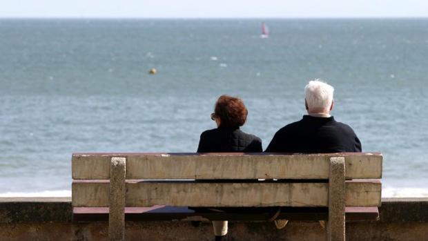 Un 38% de los mayores prestan ayuda económica a sus familiares