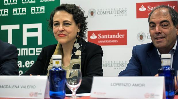 Magdalena Valerio y Lorenzo Amor, presidente de ATA, hoy