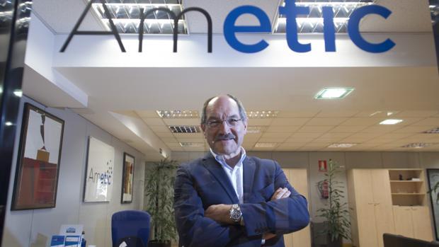 Pedro Mier, presidente de la patronal de las tecnológicas, en la sede de Ametic