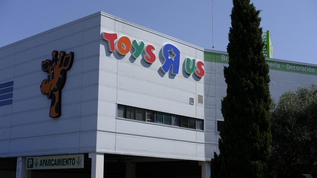Tiendas Hasta Años 35 «r» Cinco Península Us En Toys La Planea Abrir PwOkZTXliu