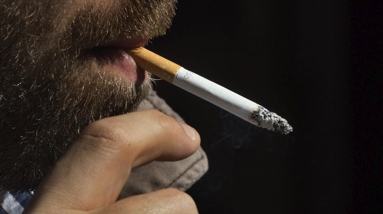 Adiós a los humos en Marlboro: Philips Morris quiere que la marca produzca cigarrillos electrónicos