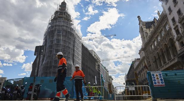 Obras en la plaza de Canalejas, en Madrid